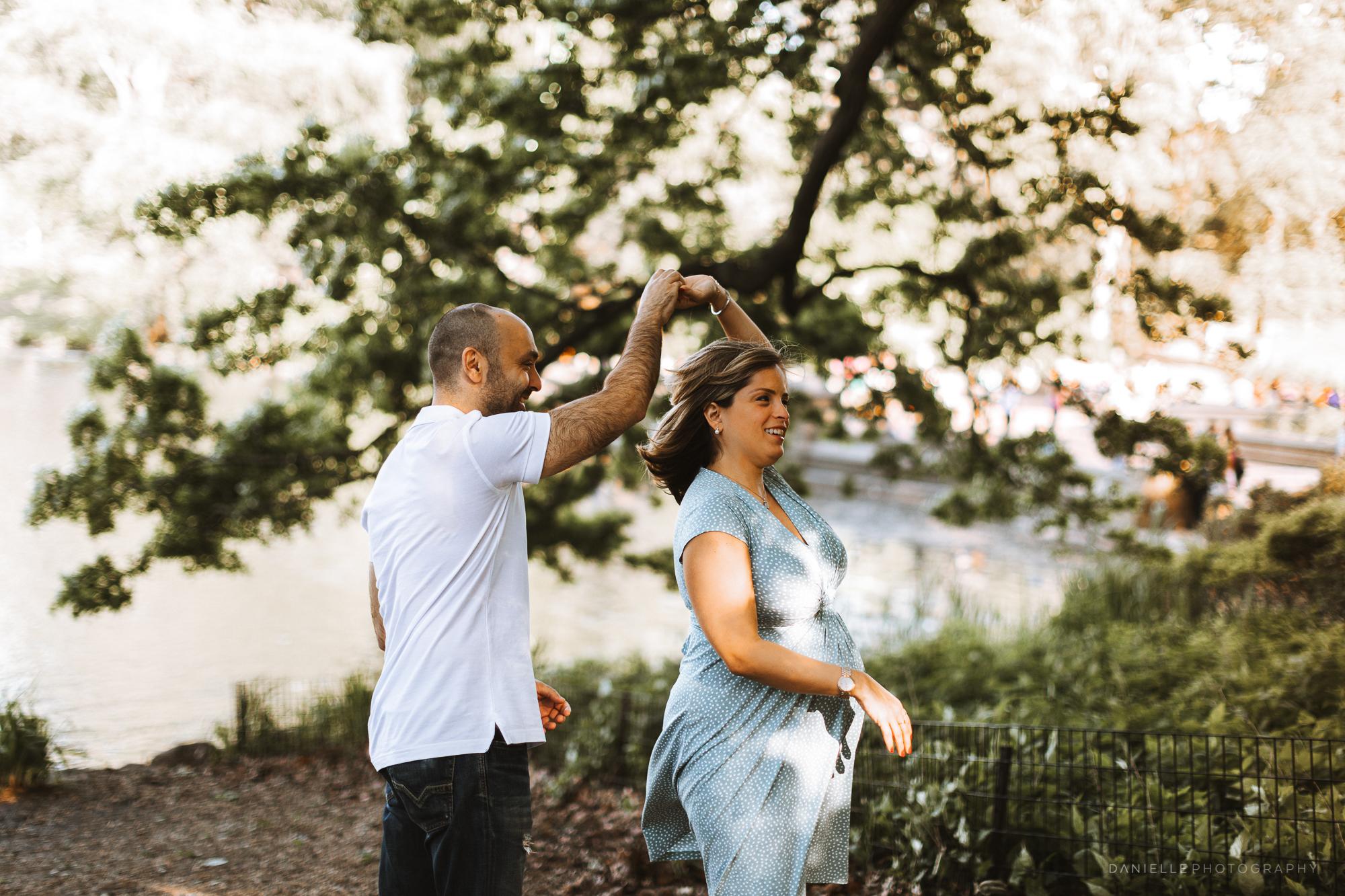 @DaniellePhotographySA_Maternity_New_York_Photos_Central_Park-15.jpg