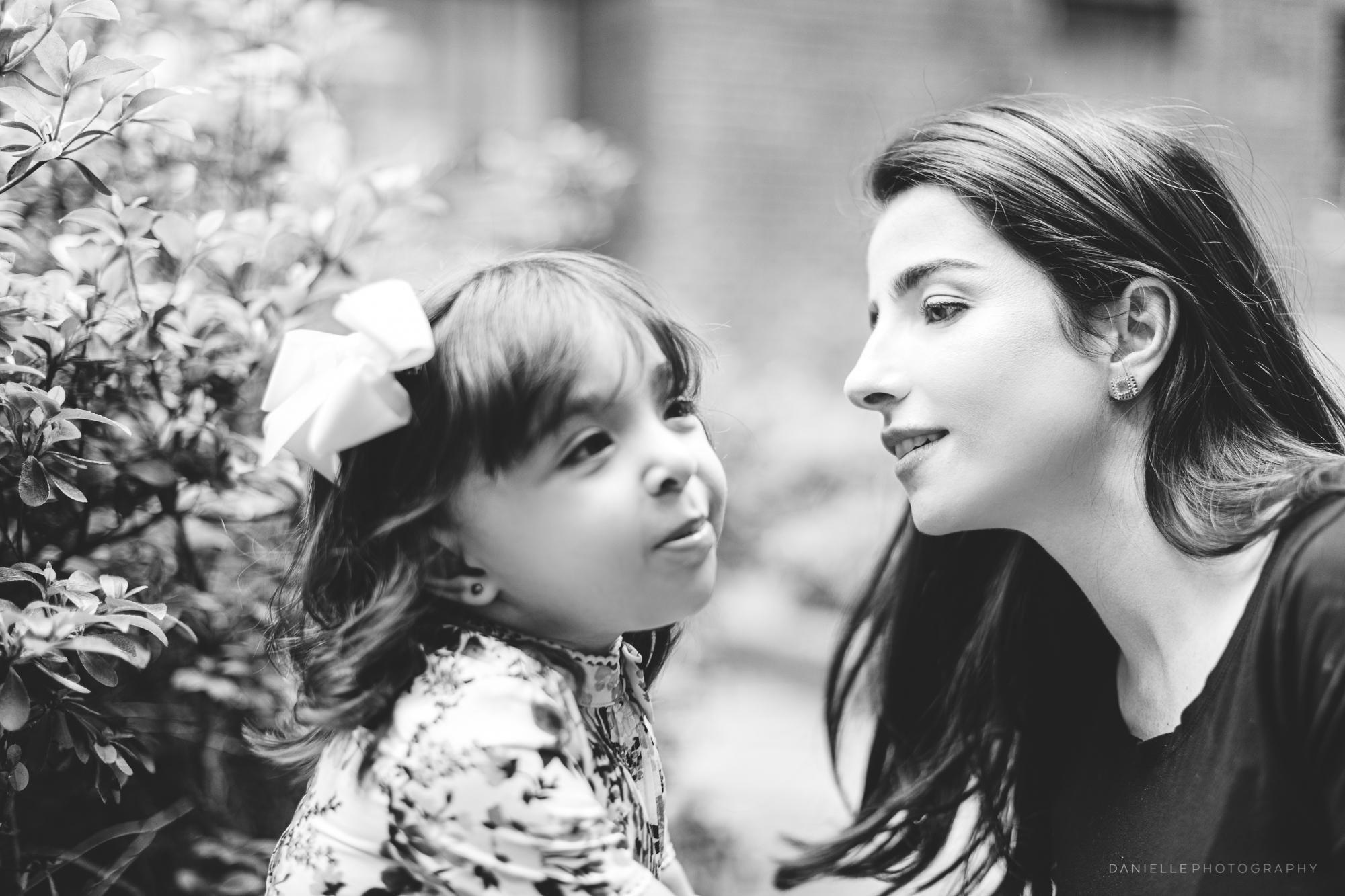 @DaniellePhotographySA_Family_New_York_Maternity_Photos-34.jpg