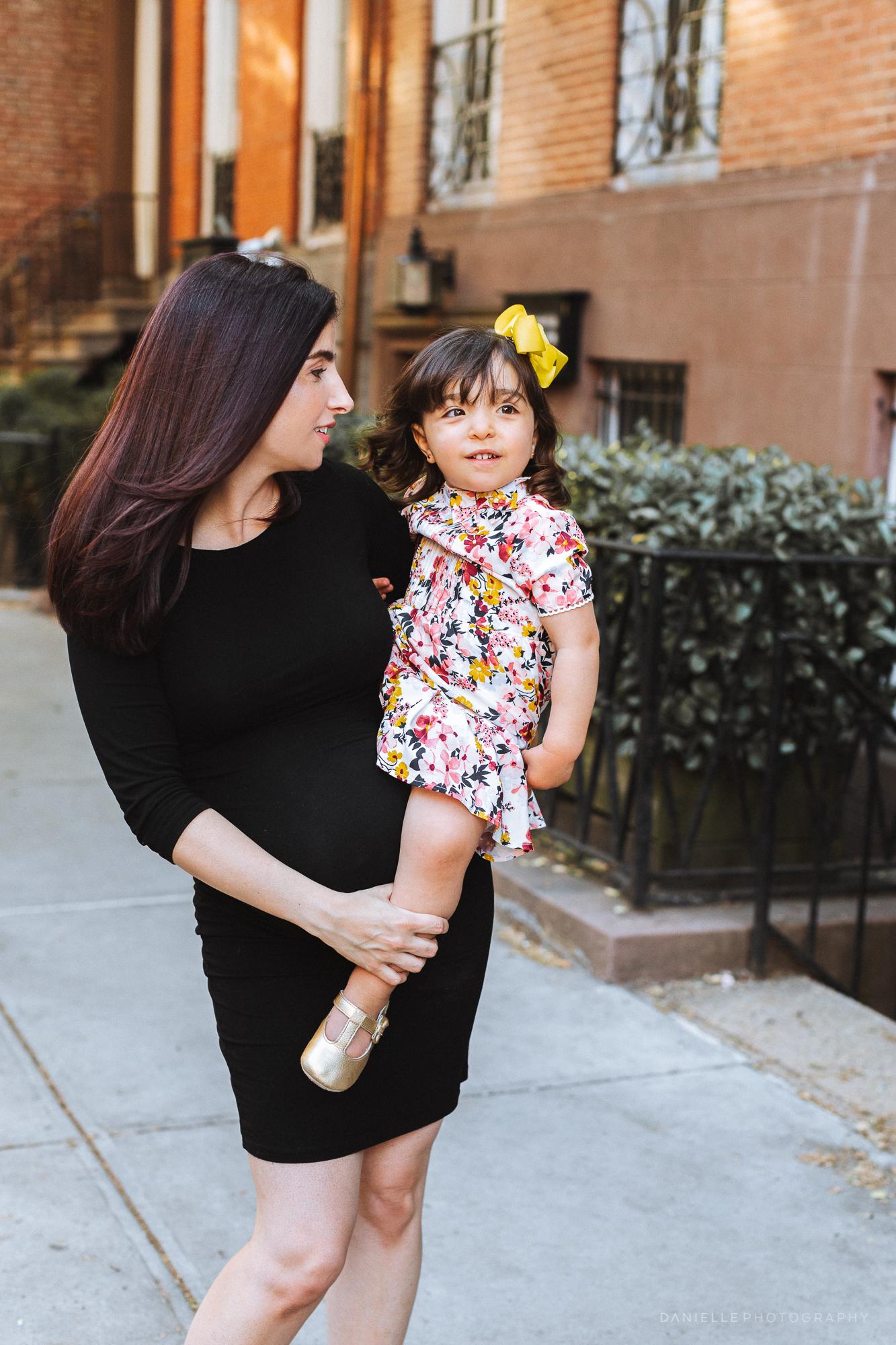 @DaniellePhotographySA_Family_New_York_Maternity_Photos-75.jpg