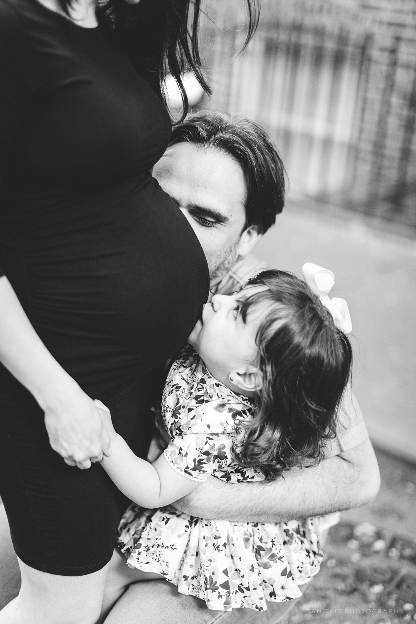 @DaniellePhotographySA_Family_New_York_Maternity_Photos-86.jpg