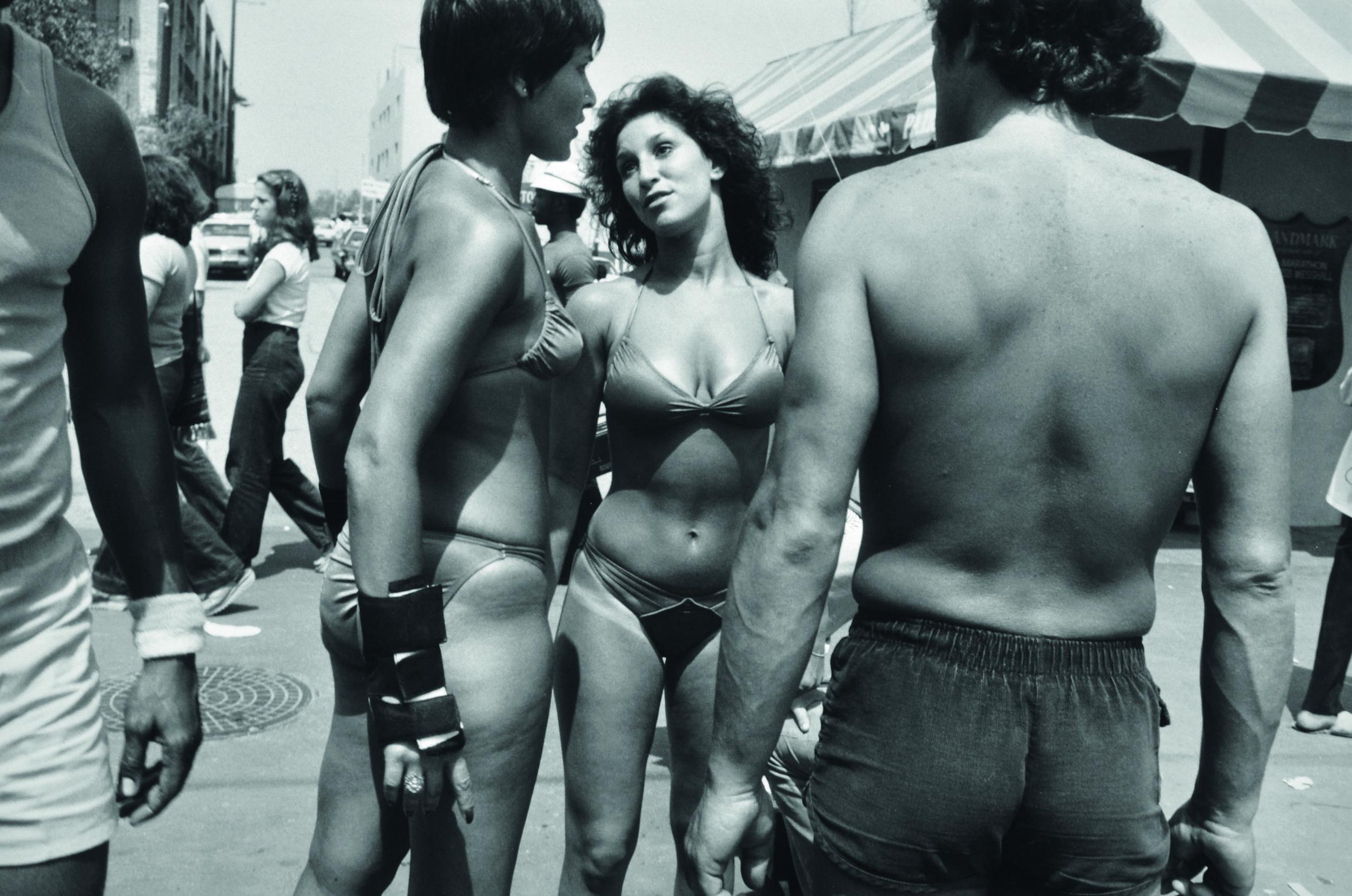 Garry Winogrand,(1928-1984), Women Are More Beautiful Than Men, silver gelatin print