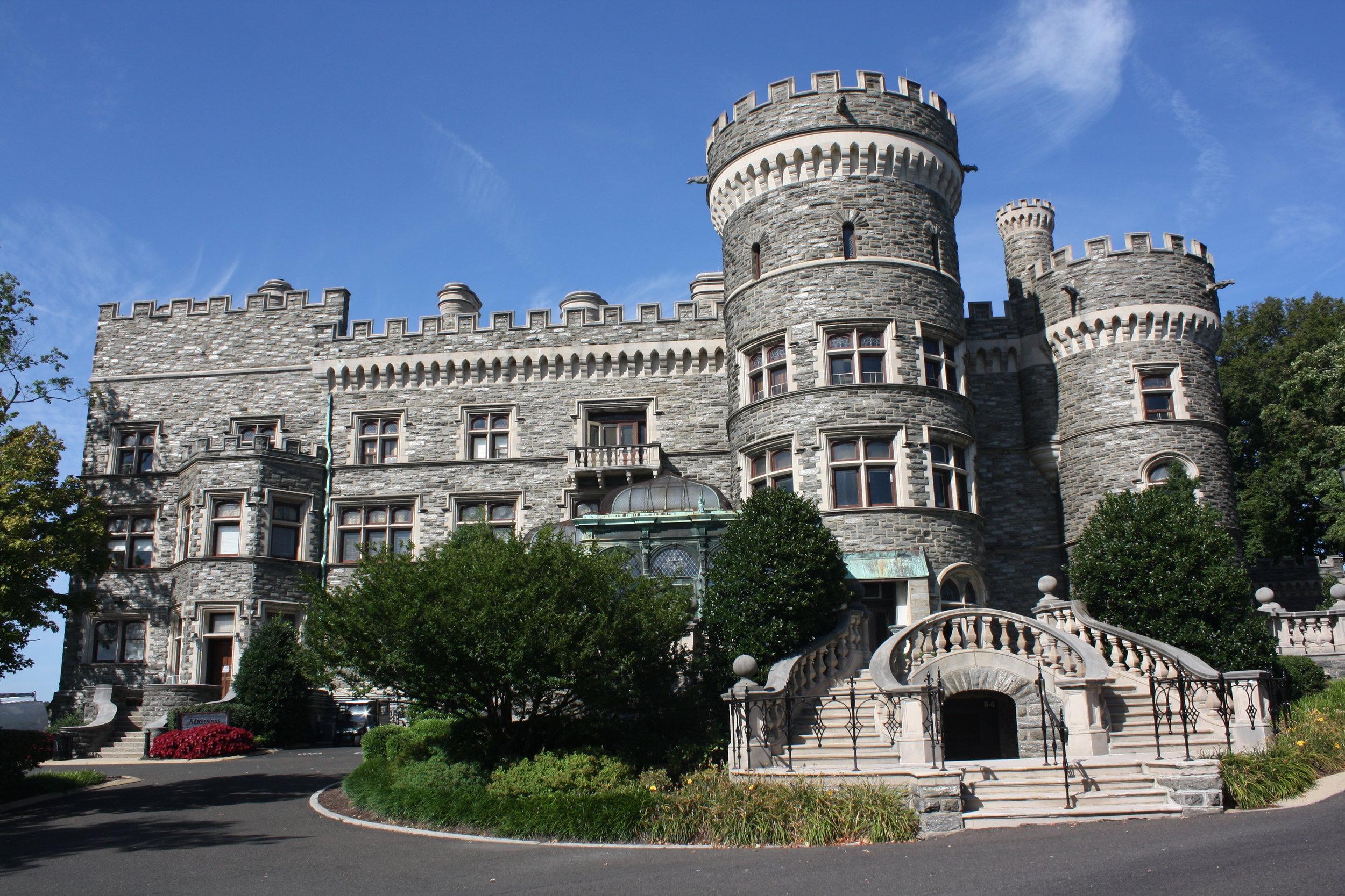 Grey_Towers_Castle,_Southern_Side_01.JPG