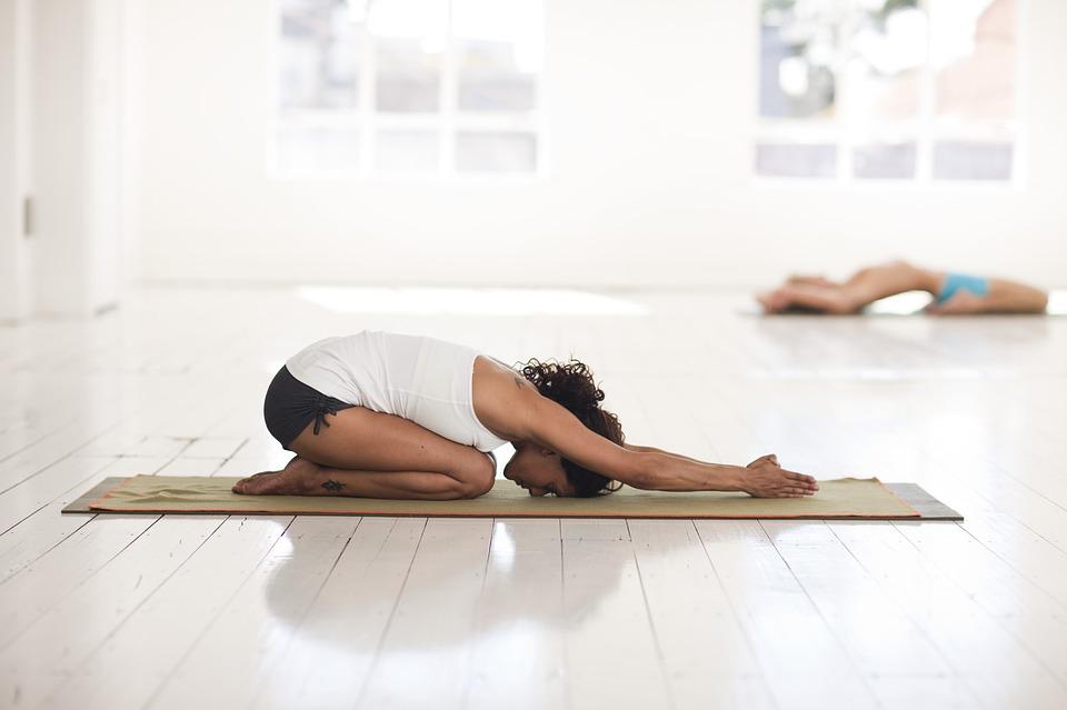yoga-2959214_960_720.jpg
