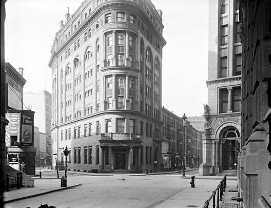 Delmonico's on Beaver and William streets, by Robert L. Bracklow, 1849 - 1919. From the Collections of the Museum of the City of New York. [ link