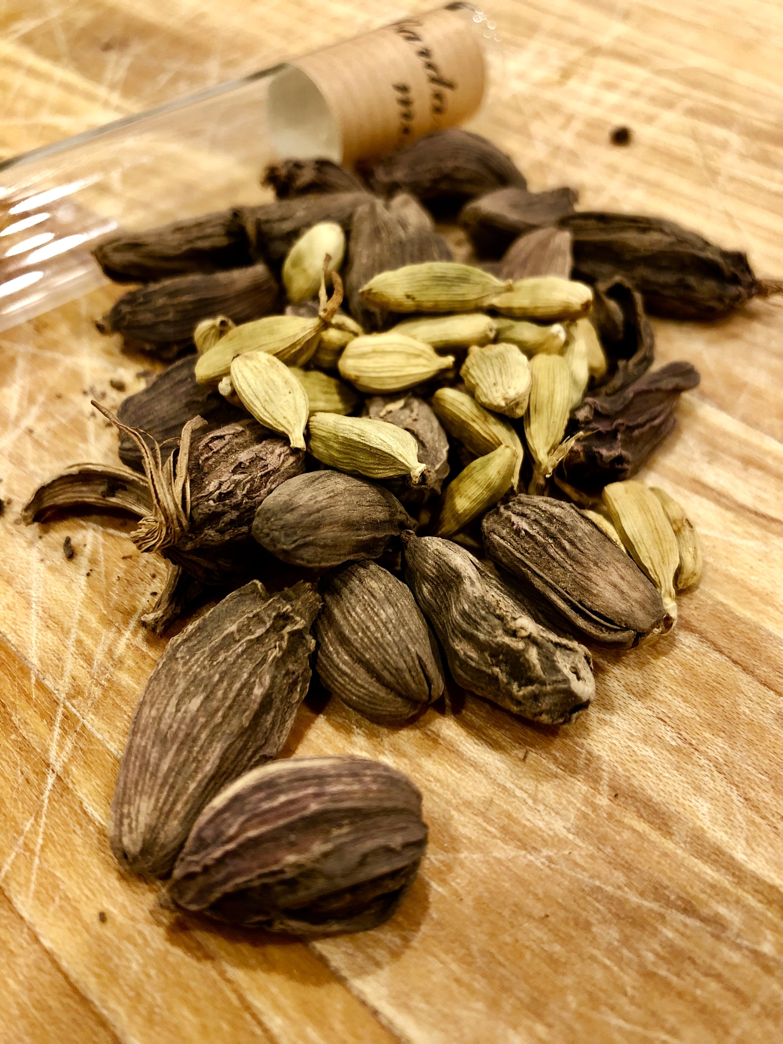 Cardamom is Queen: The Surprising Swedish Spice    This week, The Feast looks at the surprising history of Sweden's favorite spice: cardamom! From its origins in India and the Middle East, how did this unlikely seed pod make its way to the chilly climes of Scandinavia? We break down how cardamom became the flavor backbone in Swedish favorites such as mulled wine (or glögg), flavored coffee, and Christmas sweet bread. Talking with everyone from culinary archaeologists to Swedish-Canadian grandmothers, we'll uncover the unlikely history of this millenia-old spice!   Show Notes    Listen Now!