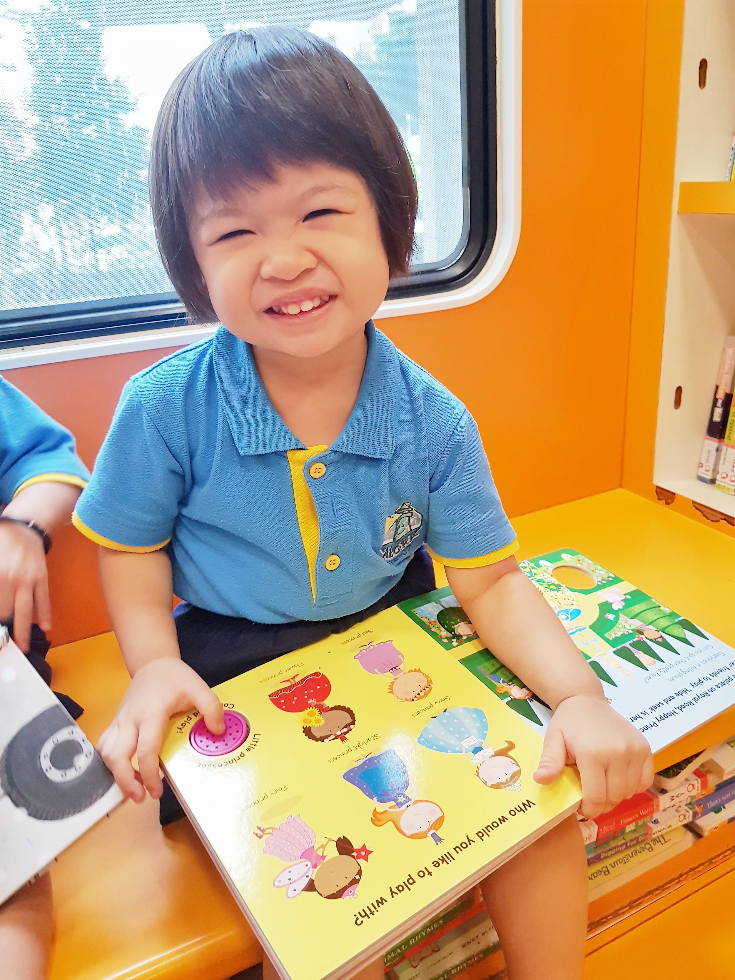 Alora Mini Molly Library Bus 4 (16 March 2018).jpeg