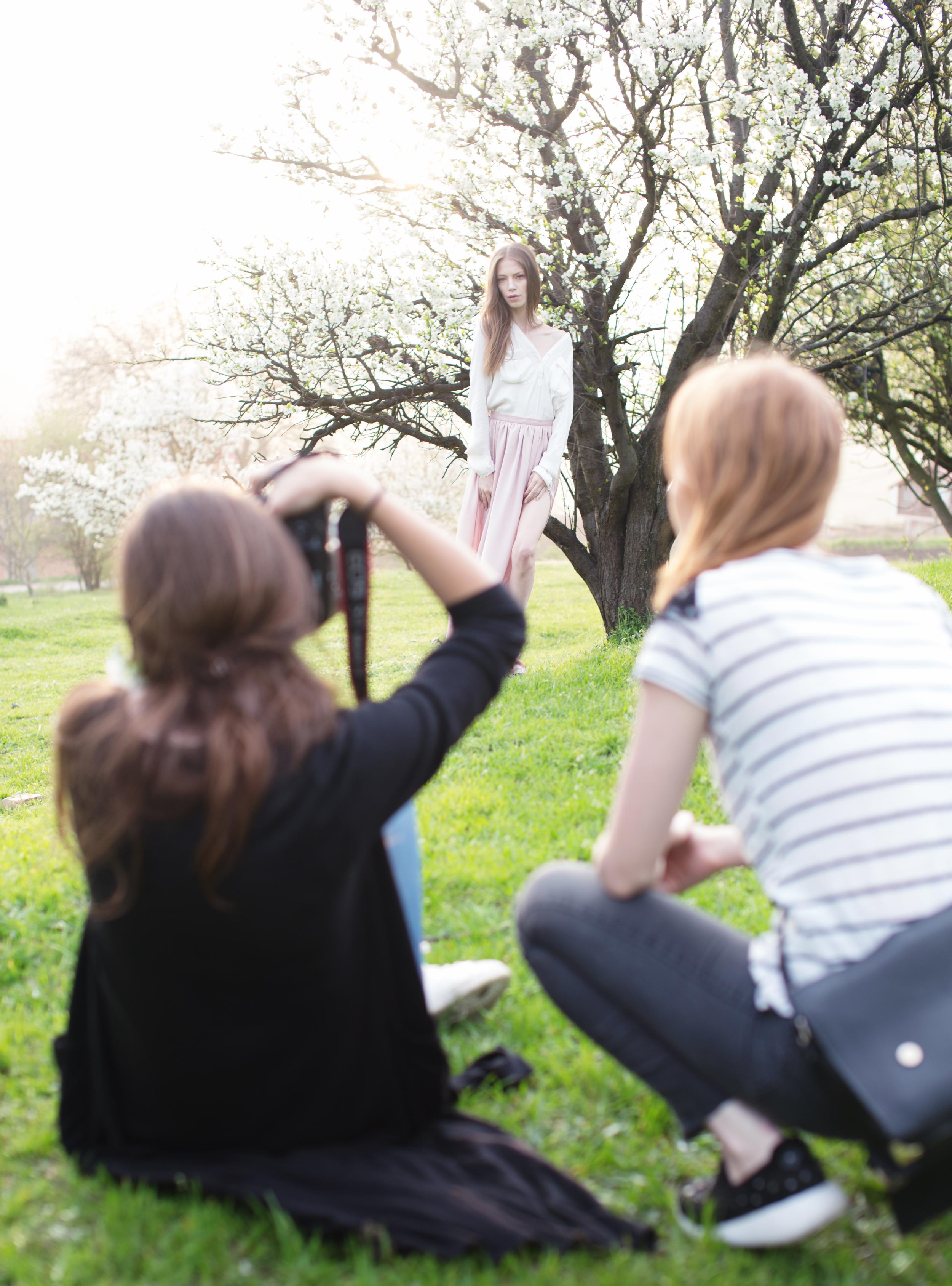 La finalul zilei, tot ce vrei să faci e să stai jos, cu sau fără aparat foto în mână...
