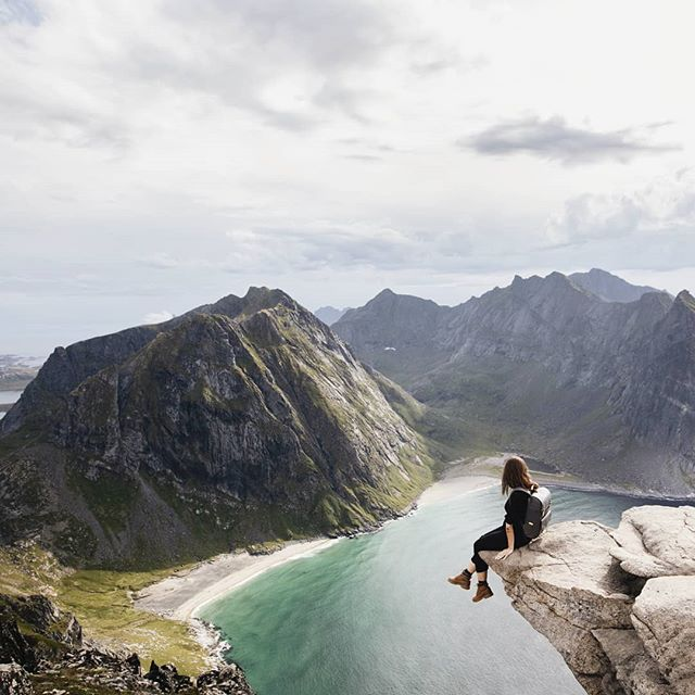 Mom, I promise this wasn't as dangerous as it looks 😅 . . . #lofoten #travelaroundtheworld #neverstopexploring #folkgood #wanderlust #dametraveler #wowplaces #darlingescapes #roamtheplanet