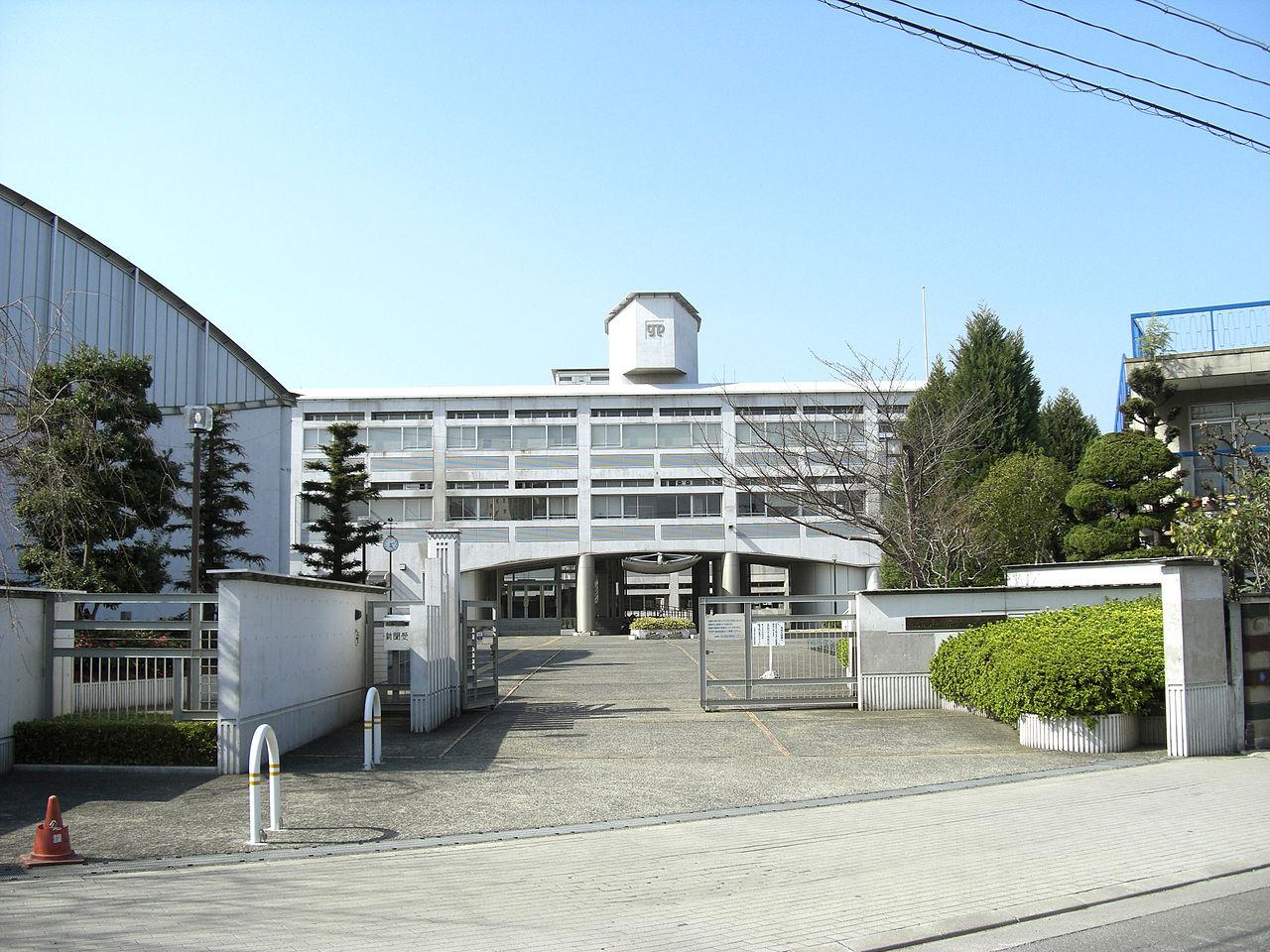https://ja.wikipedia.org/wiki/大阪府立茨木高等学校