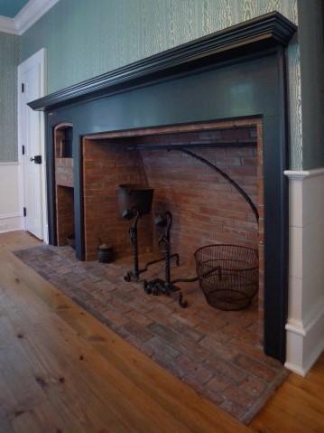 1776 Living Room Fireplace.JPG