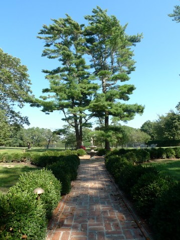 1776 Colonial Brick Walkway.JPG