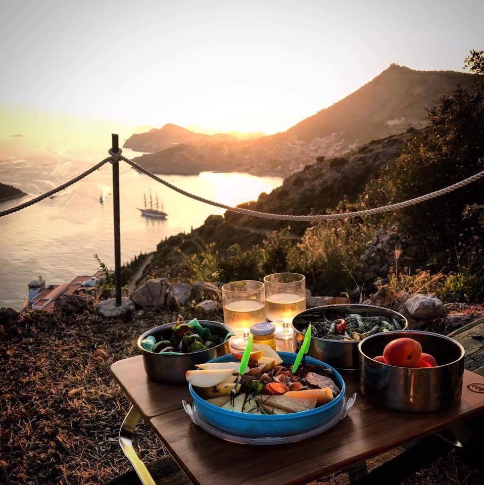 sunset piknikhero.jpg