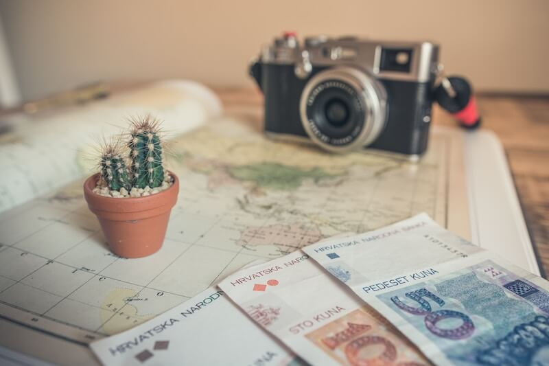 I want to travel the world.jpg