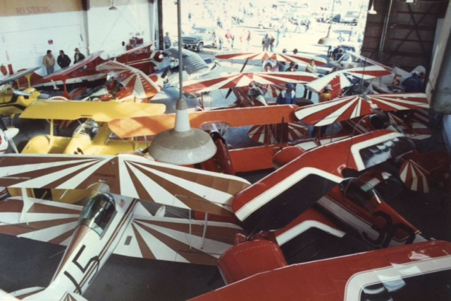 Biplane hanger picture from 1987.JPG