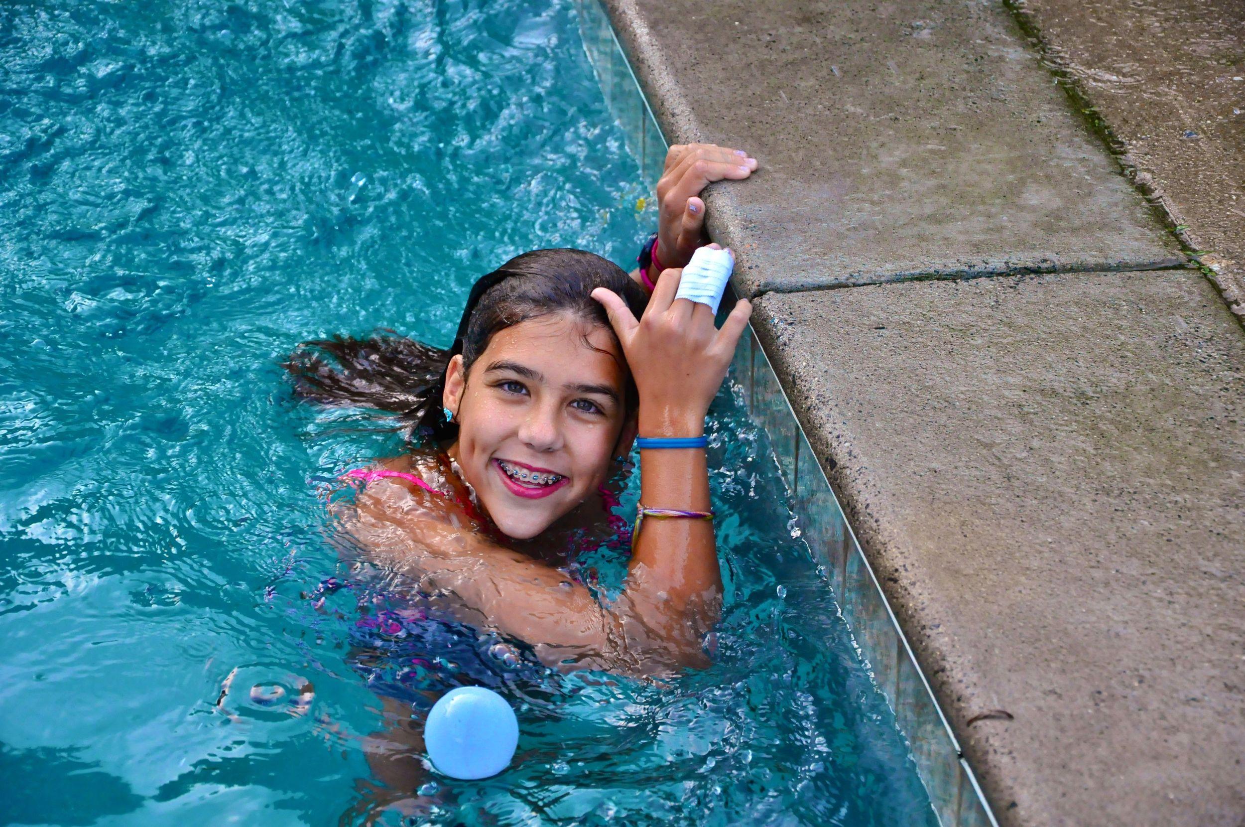 emma-enjoys-a-free-swim-regardless-of-her-jammed-finger.jpg