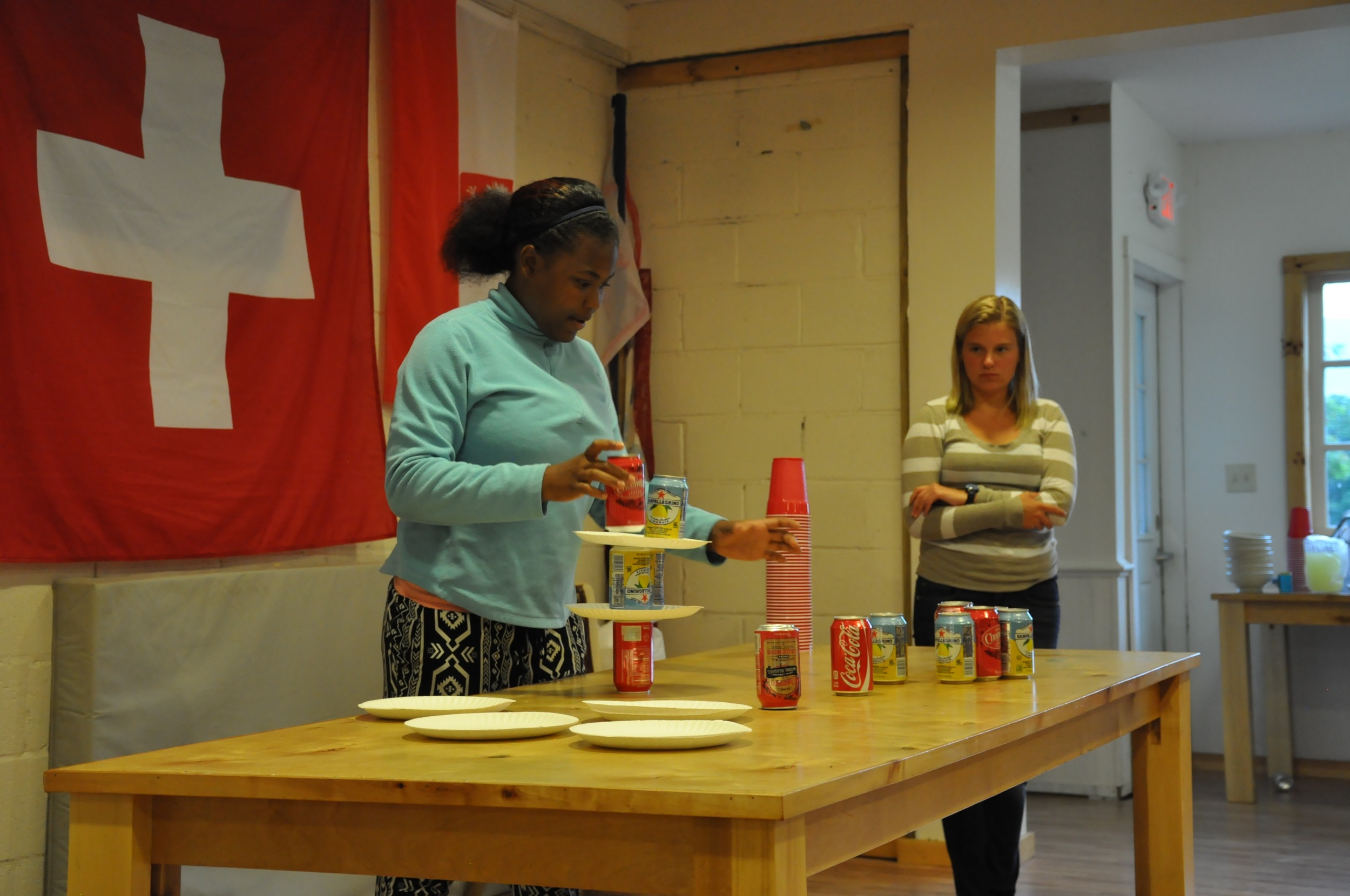 making-a-reverse-pyramid-out-of-paper-plates-and-aluminum-cans.jpg