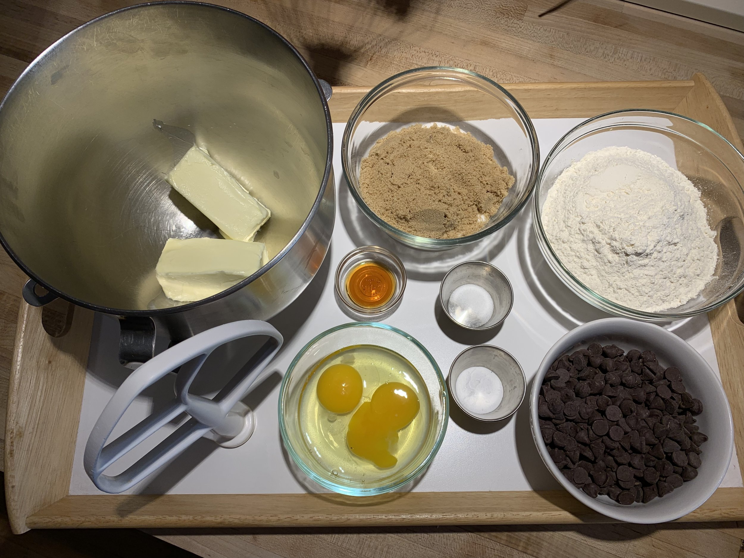 Chocolate chip cookie mise en place