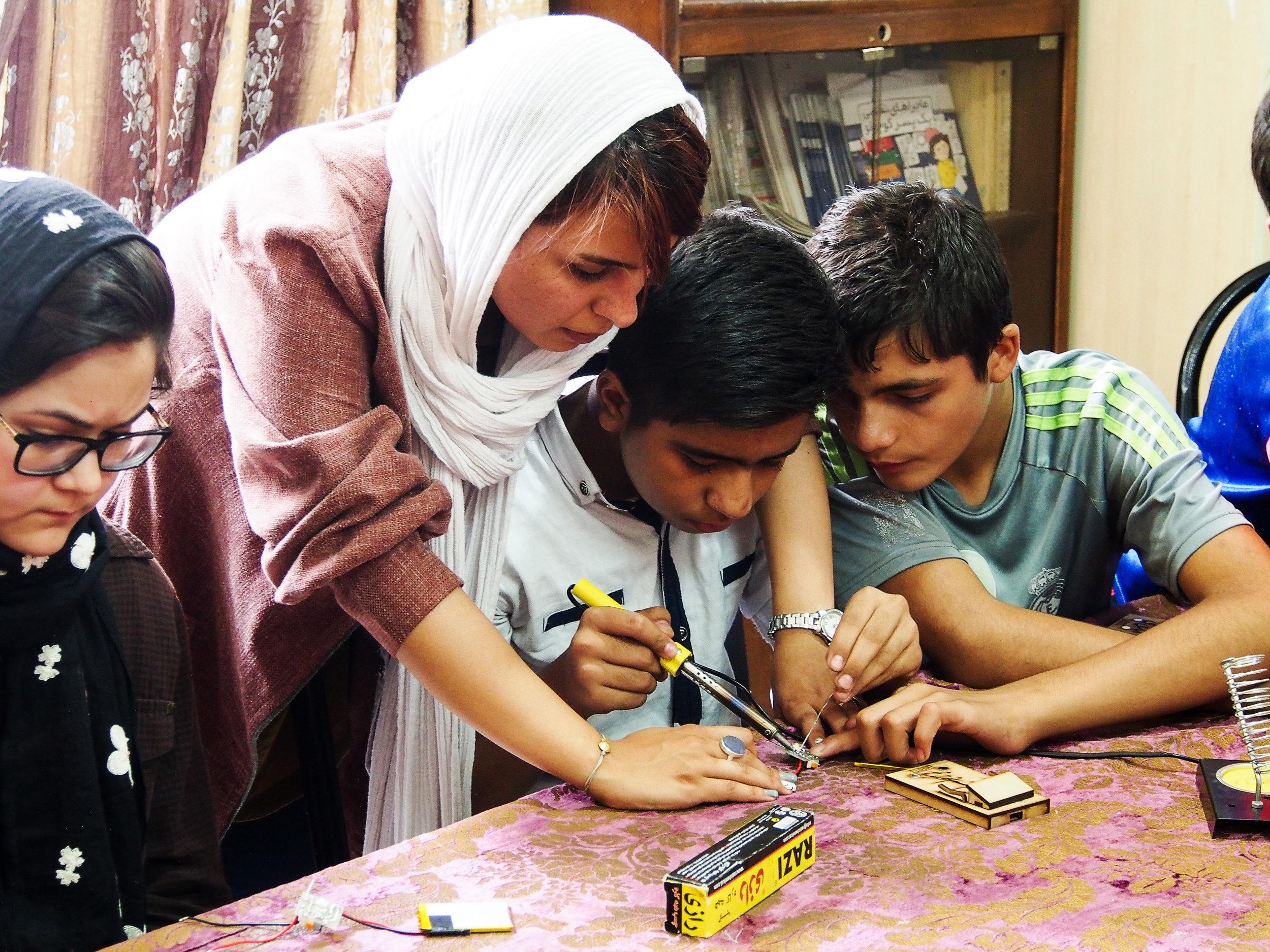 HIDE - Solar Light workshop