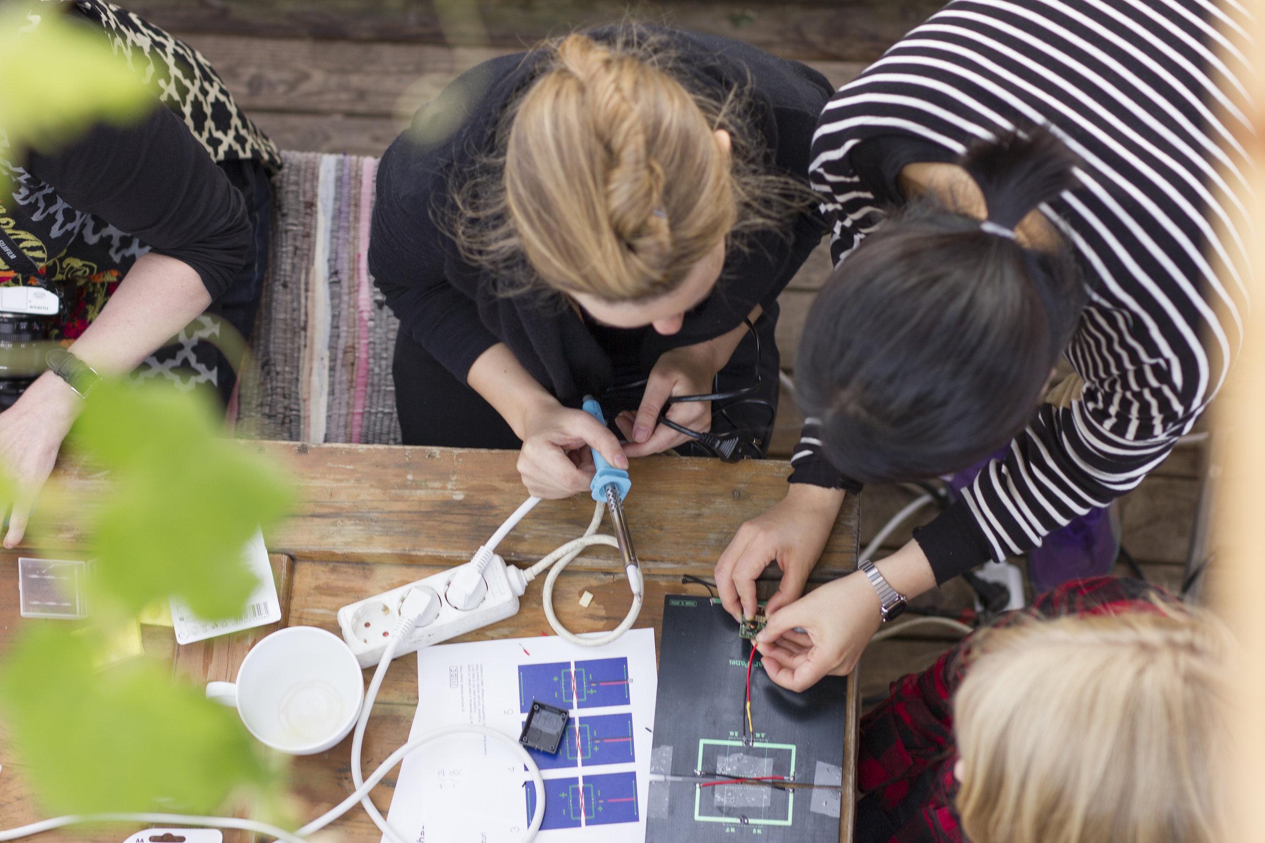 SOLAR DIY Workshop - DIY workshop held in DODO, Helsinki.