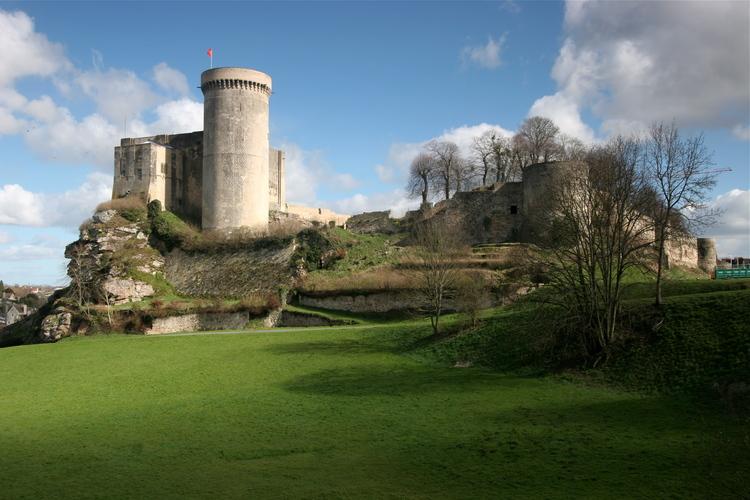 Chateau-falaise-calvados.jpg
