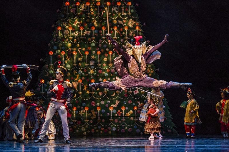 The-Nutcracker-at-Joffrey-Ballet-Chicago-3.jpg