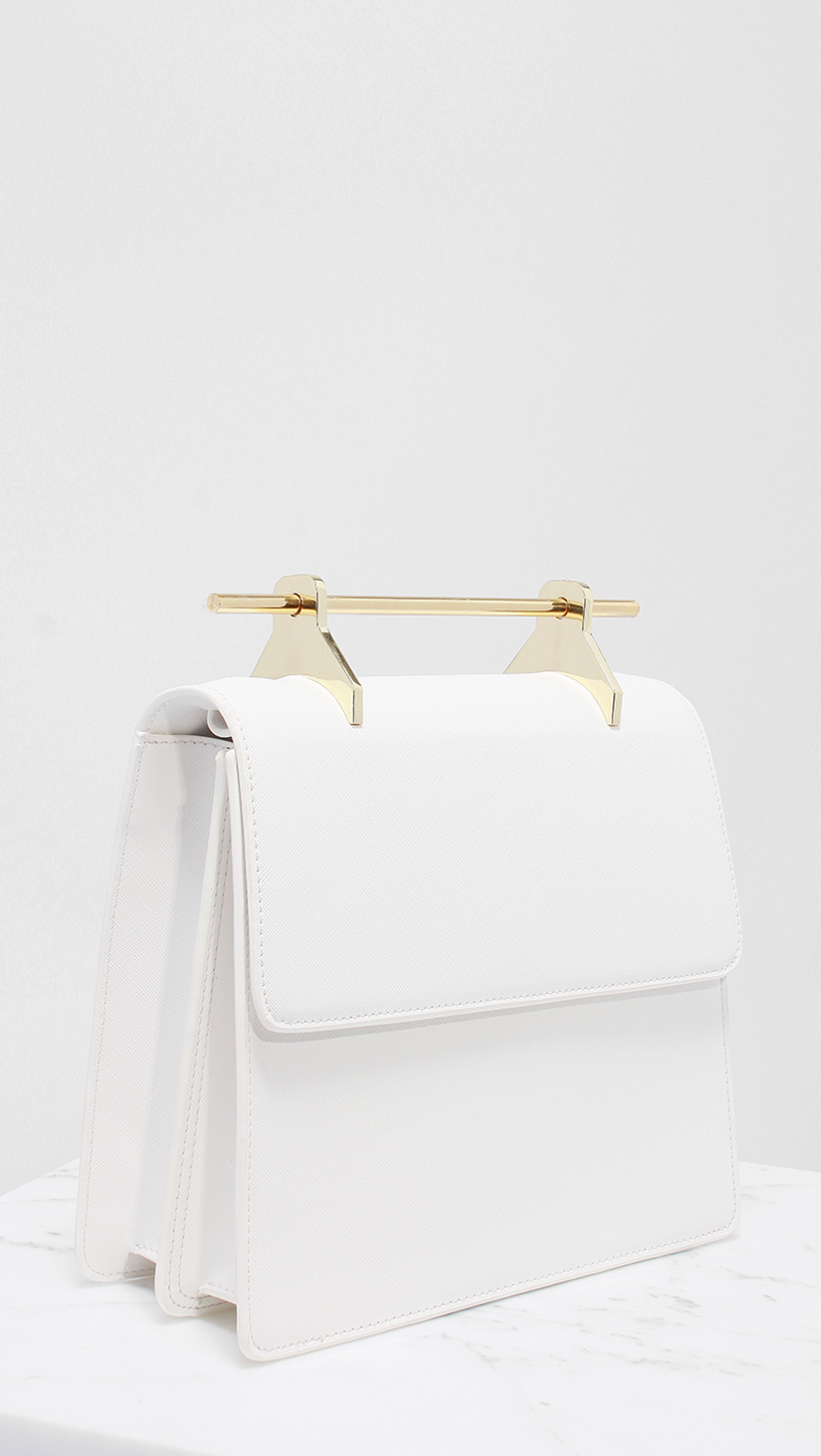 gold_needle_bag_4.png