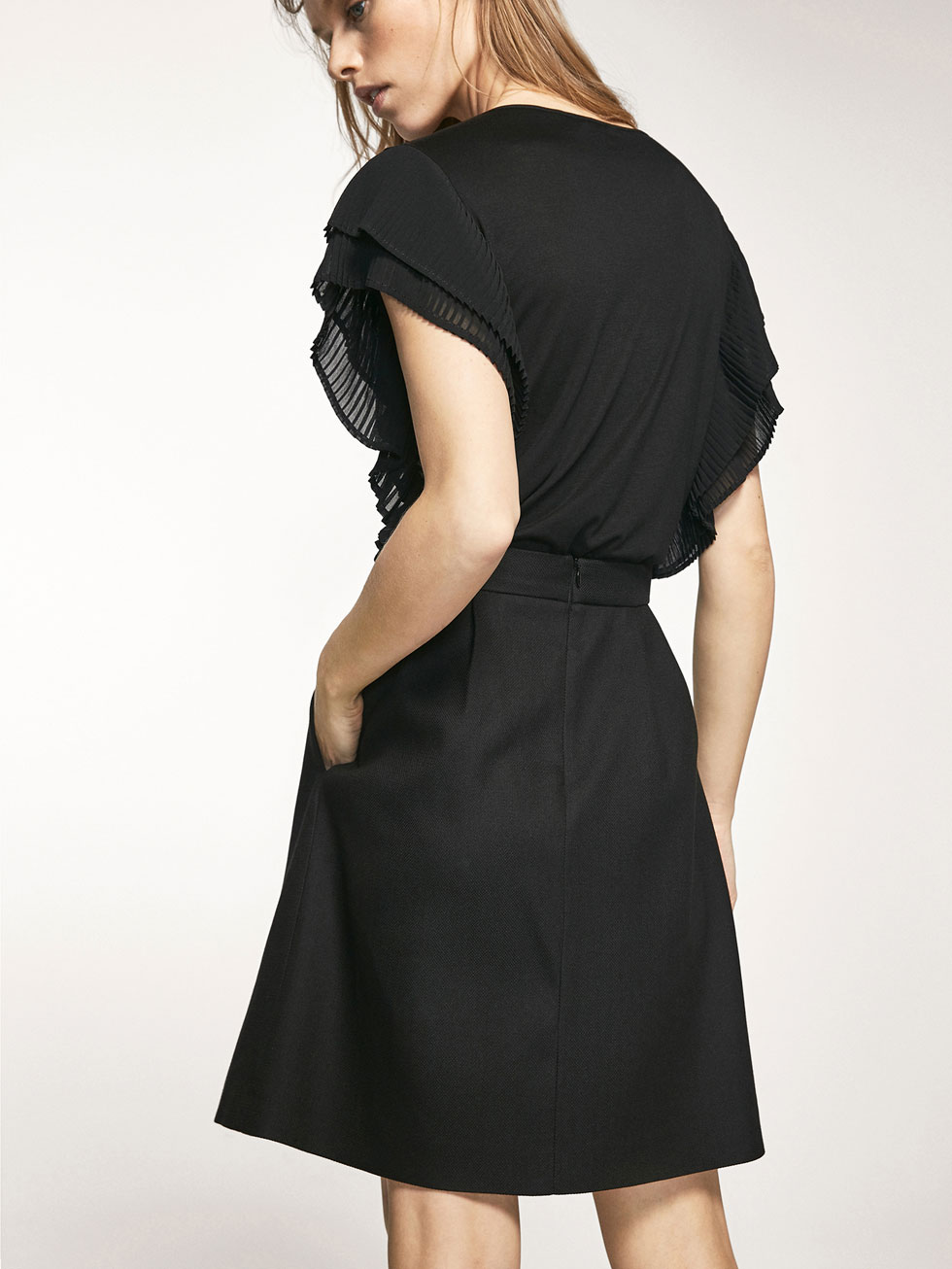 PLEATED SKIRT WITH TEXTURED WEAVE