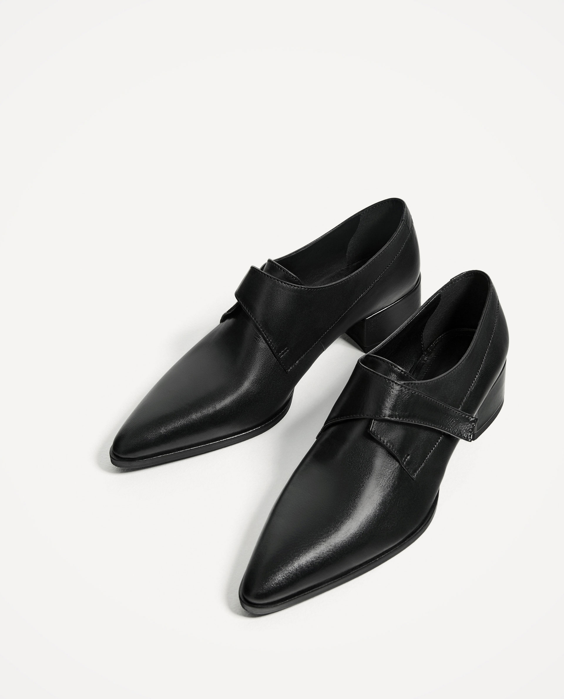BLACK FLAT LEATHER SHOES