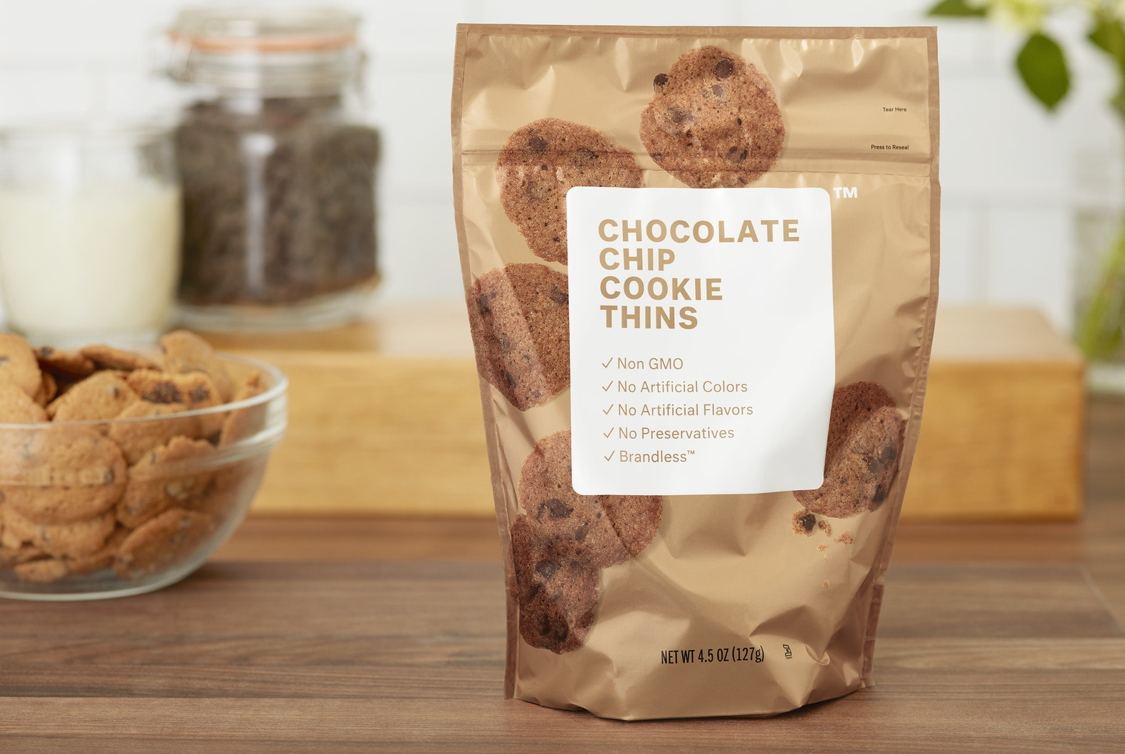 Brandless Chocolate Chip Cookies - I've made it a New Years Resolution to not leave my apartment when necessary because it's cold. Now that I can order bags of chocolate chip cookies through Brandless and munch on them while reading for my next discussion, life is 100% better. Discovering Brandless not only saves you money from buying overpriced brand-name snacks, the taste rivals the simplicity of the packaging and company's mission.