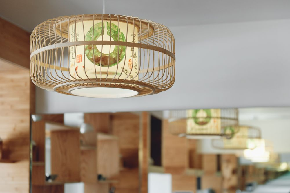 Interior lamps add to the comforting vibes of the restaurant.
