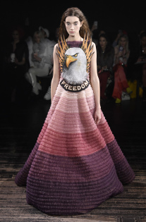 viktor-rolf-couture-spring-2019-paris-fashion-week-pfw-005.jpg