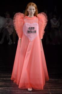 viktor-rolf-couture-spring-2019-paris-fashion-week-pfw-009.jpg