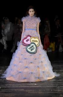 viktor-rolf-couture-spring-2019-paris-fashion-week-pfw-016.jpg