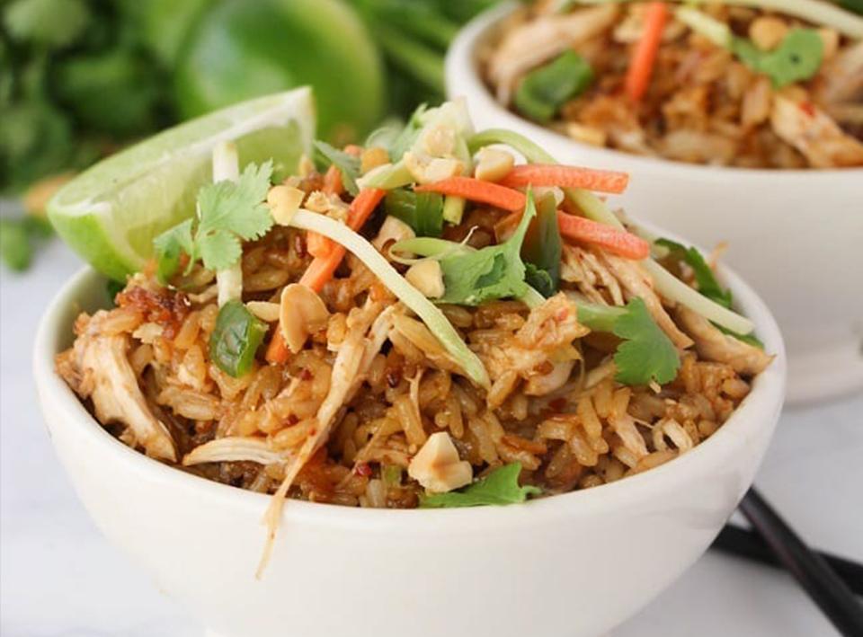 THAI CHICKEN RICE BOWLS - Recipe & Image via Wondermon Wannabe
