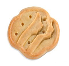Trefoils - K: Grandma's classic shortbread made in a factory. I'm pretty sure the first ingredient in Trefoils is butter and the second is heart attack, but you just can't be mad at them.J: I literally started brewing a pot of tea when I looked at this picture. Name a more iconic duo than Trefoils and black tea. I'll wait…Taste: 9Texture: 8Cookie to filling ratio: N/AWould buy: 9Would eat if in front of me: 8