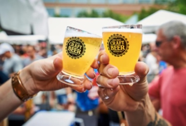 Chicago Craft Beer Festival (July 20-21) - For the beer connoisseurs out there, Chicago's Craft Beer Festival is your playground. Featuring over 70 different varieties of craft beer from across the US, with great music and company on the side, the Craft Beer Fest will definitely be something to cheer you up this summer.Image via
