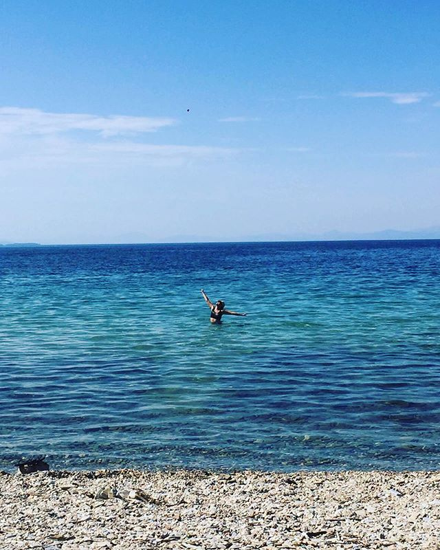 In today's news... this is me in Greece. That's all 🤩 • • Photo by @happyandhealthyforeverever  #greece #happyplace #bluewater #panictopeace #holisticcancerliving