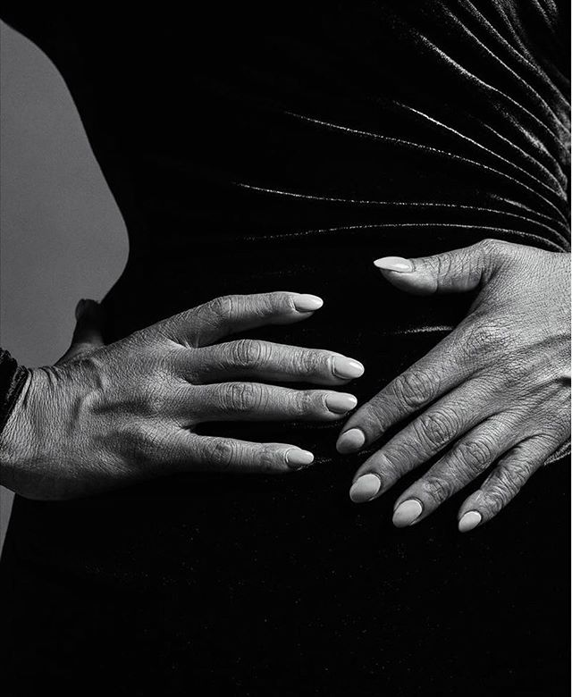Obsessed with this #crucial photo of Oprah's hands by @mario_sorrenti from the WSJ last weekend 💅