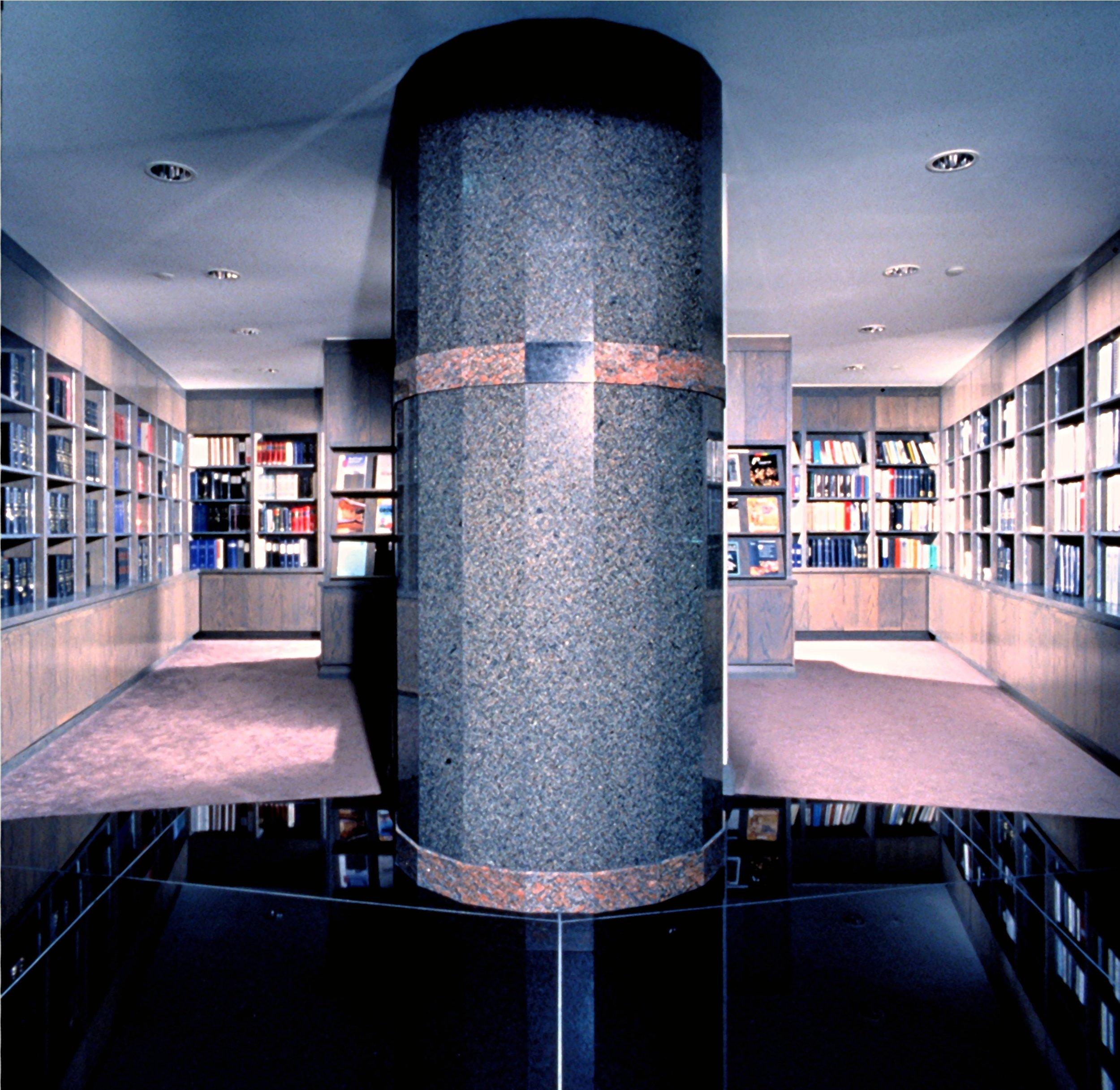 Ernst & Young-1.JPG