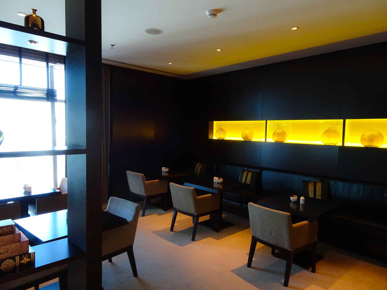 Dining Area - JW Marriott Marquis Dubai Executive Lounge  Photo: Calvin Wood