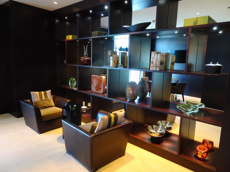 Meeting Areas - Executive Lounge - JW Marriott Marquis Dubai  Photo: Calvin Wood