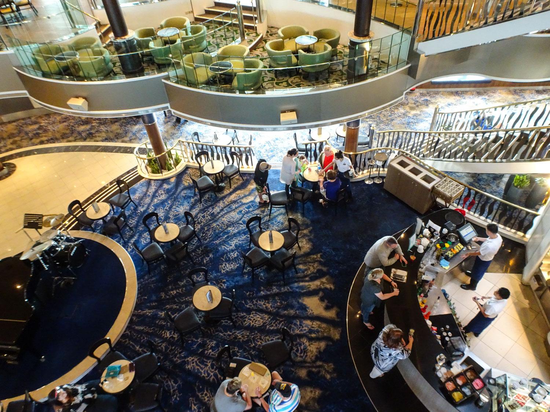 Java Café - Atrium - NCL Dawn  Photo: Calvin Wood