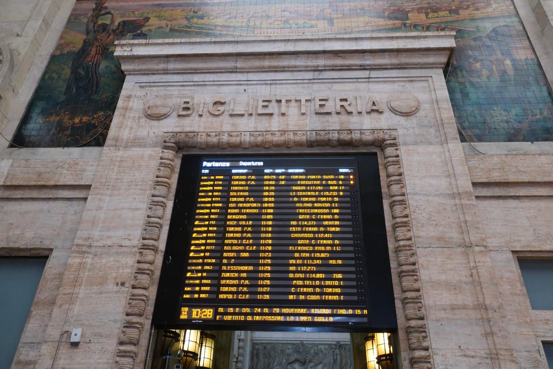 Departure Board - Milano Centrale Photo: Calvin Wood