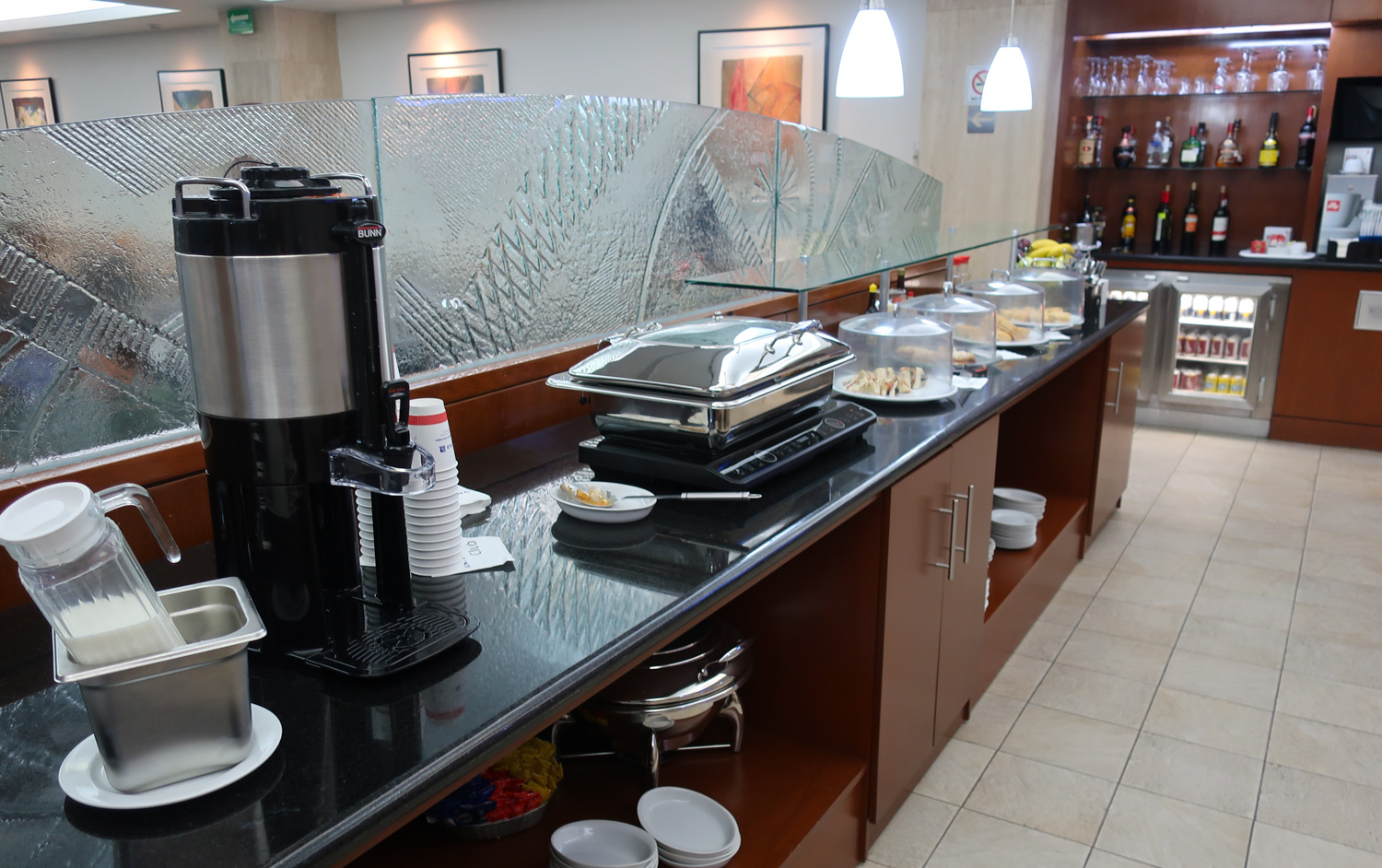 Breakfast Buffet - United Airlines Club Mexico City  Photo: Calvin Wood