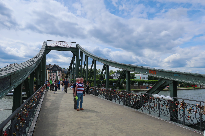 River-Walk-Bridge-2-Frankfurt-Calvin-Wood.jpg