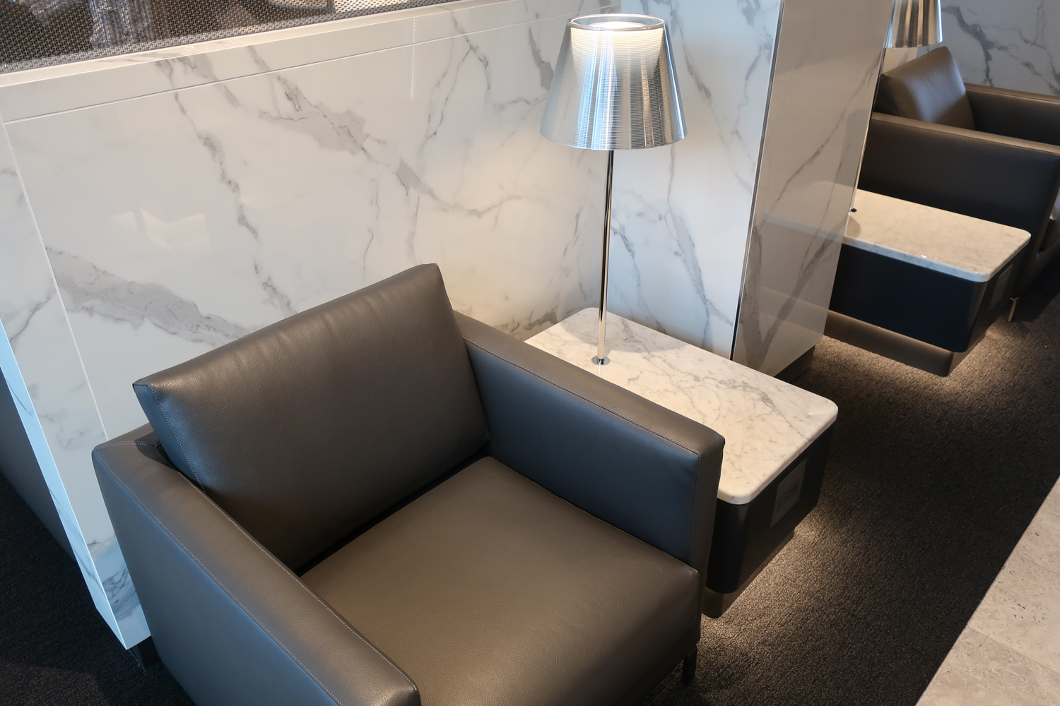 Relaxing Seating -  Polaris Lounge  Houston - United Airlines  Photo: Calvin Wood