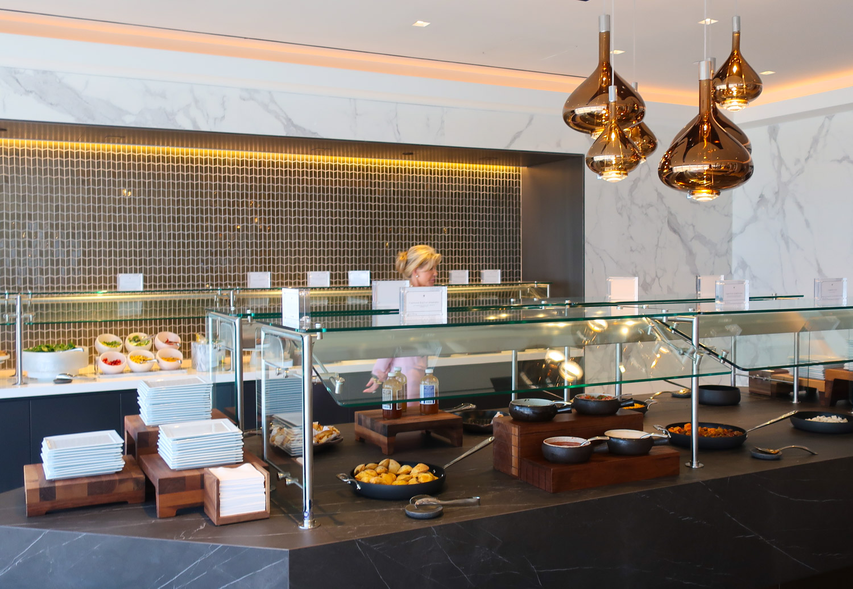 Buffet Area - United  Polaris Lounge  - Houston  Photo: Calvin Wood