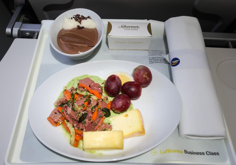 Business Class Snack - Lufthansa - Zurich to Munich  Photo: Calvin Wood