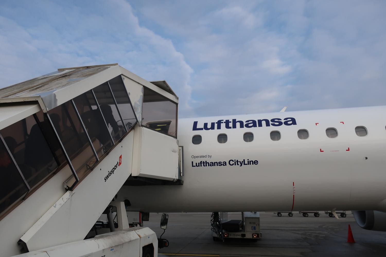 Boarding - Lufthansa Embraer 90 Zurich  Photo: Calvin Wood