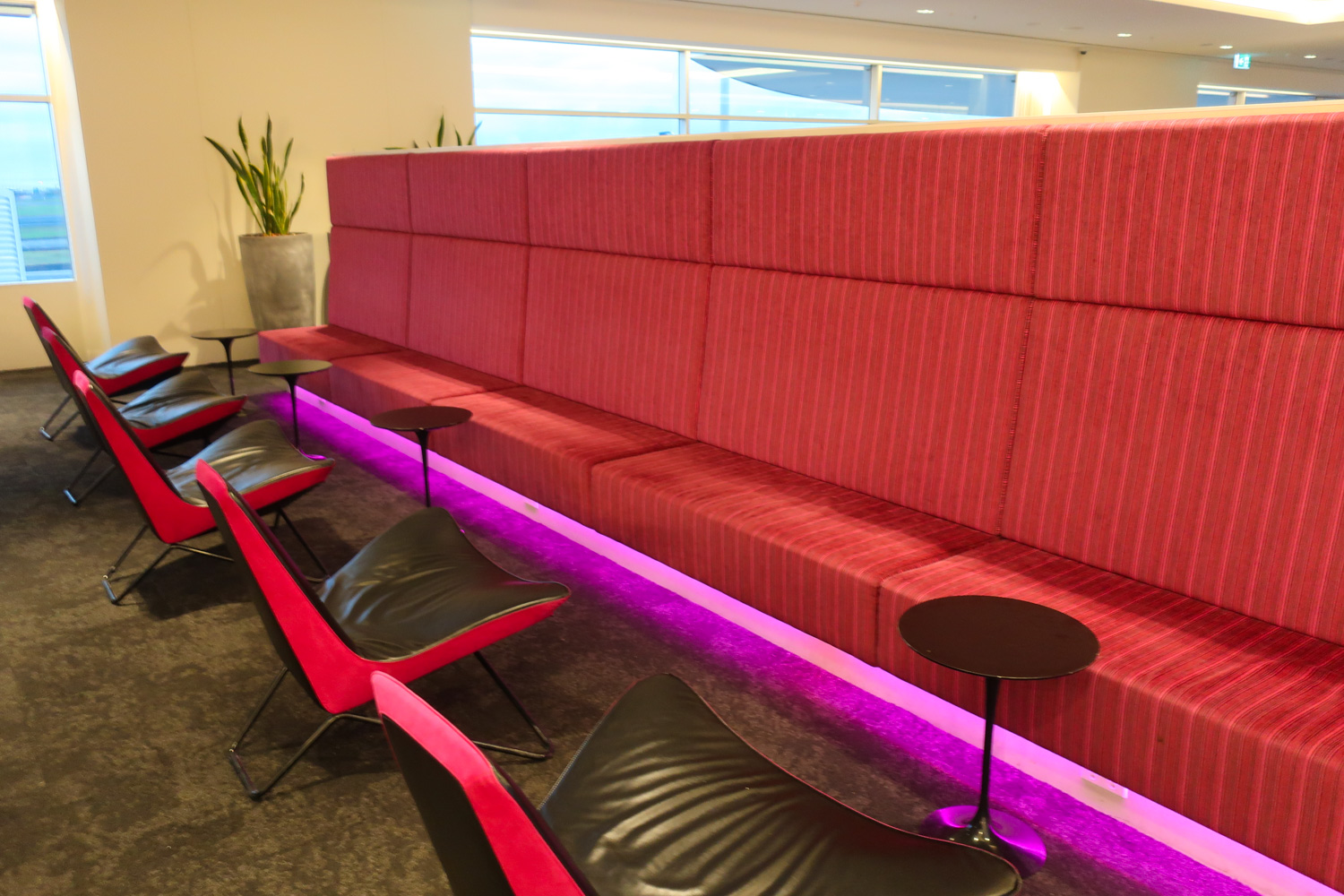 Mod Seating - With A Focus On Pink! - Air New Zealand Lounge Sydney  Photo: Calvin Wood